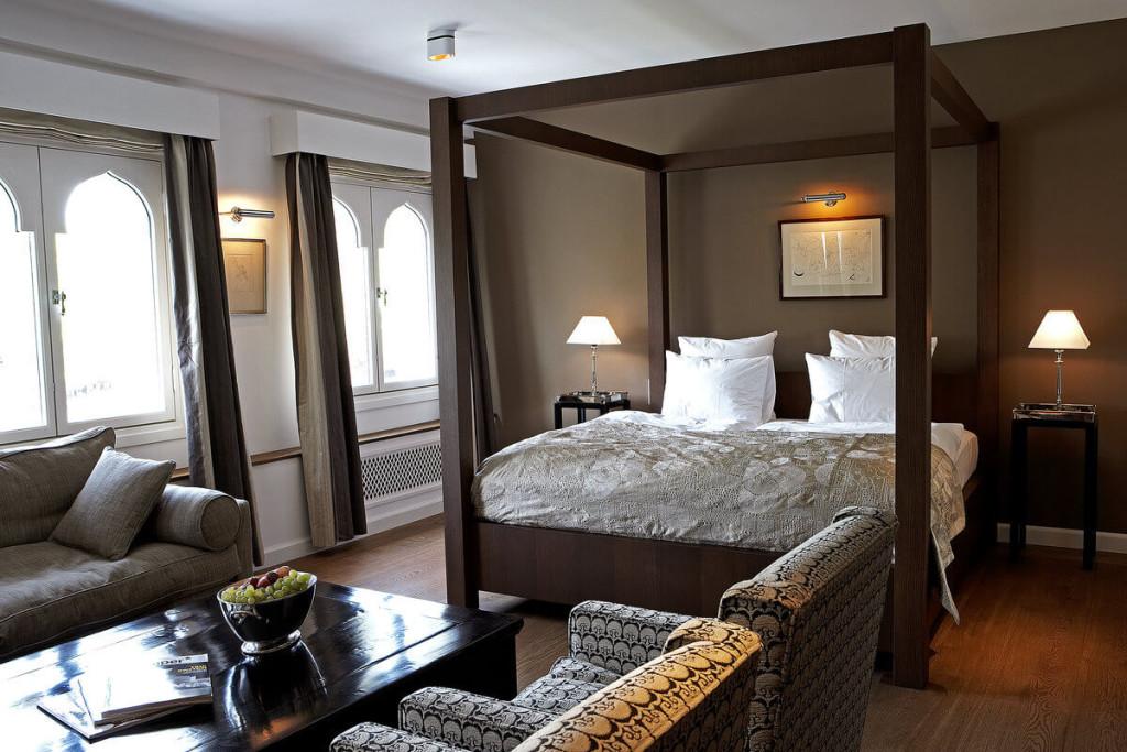 1-nimb-hotel-junior-suite-bed
