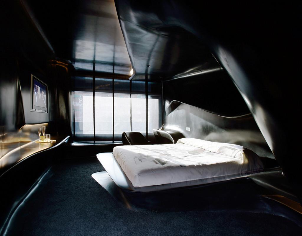 silken_chambre