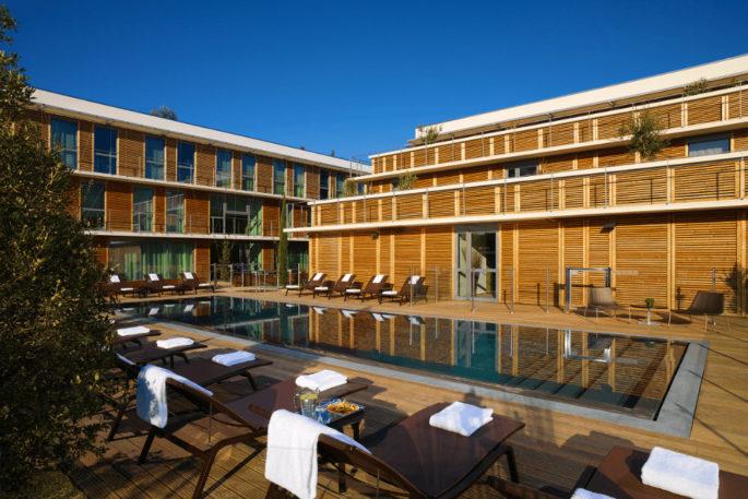 courtyard_mariott_montpellier_piscine