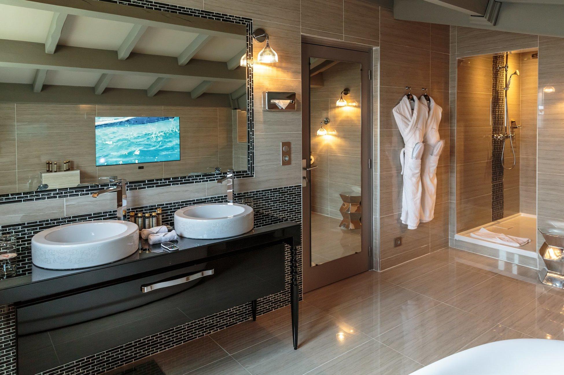bekijk hier enkele luxueuze hotels met zwembad. Black Bedroom Furniture Sets. Home Design Ideas