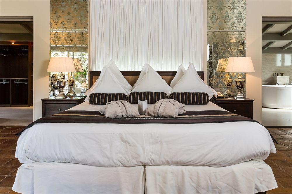 Bekijk hier enkele luxueuze hotels met zwembad - Salon saint jacques neuville saint remy ...